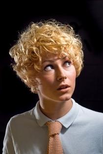 capelli ricci medi
