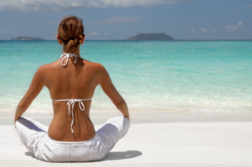 Yoga in spiaggia